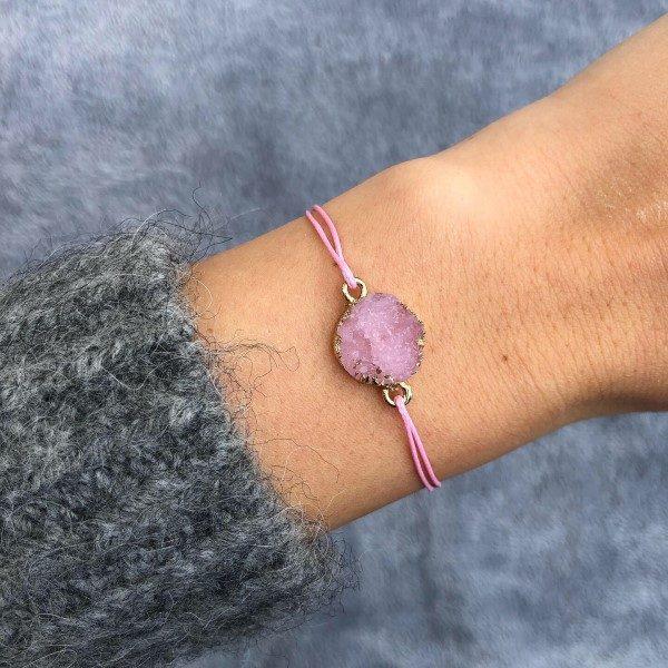 Rózsaszín achát ásvány medál zsineg karkötő